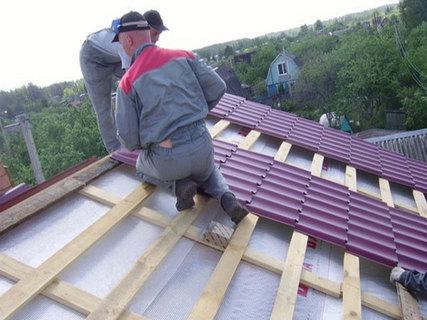 Новая гидроизоляция крыши дома под металлочерепицу